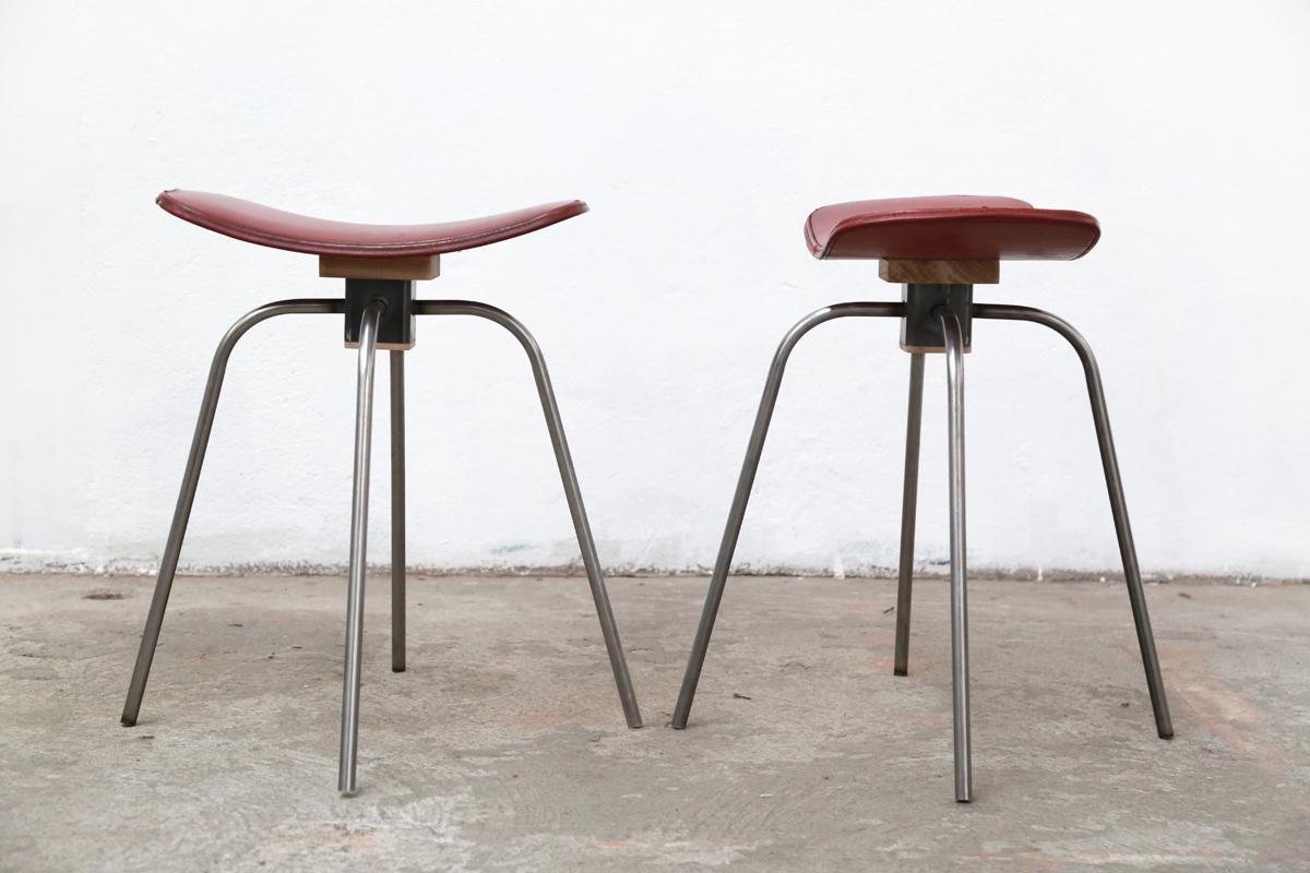 Matthieu-Gibson-Atelier-Pan-tabouret-rouge
